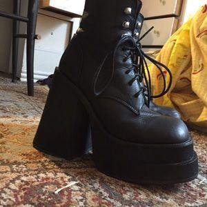 UNIF brat boots